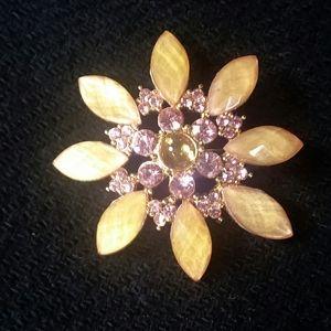Cute Vintage Flower Brooch